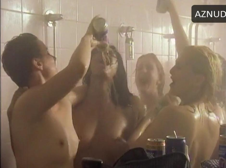 """Marsha Thomason topless with some other ladies in a female group shower scene from """"Playing the Field""""-season 1 episode 4.Marsha Thomason-Playing the Field"""